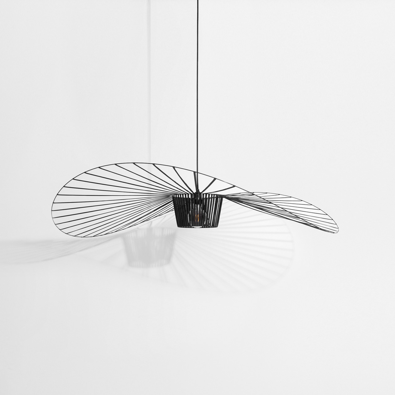 Idées cadeaux de noel design 2020 - Lampe vertigo Petite friture⎮ Armony Cuisine La Garenne-Colombes